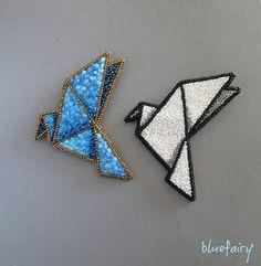 Pierwszego gołębia origami wykonałam na konkurs, drugiego dla przyjemności, chociaż to właśnie tego dzisiejszego zaczęłam robić najpierw. Z...