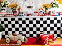 Adriana Gaspar e Marcela Castro Carros Vintage, Birthday Parties, Holiday Decor, Home Decor, Vintage Auto, Gabriel, Babyshower, Frozen, Party Ideas
