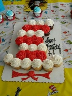 69 Ideas Birthday Cupcakes For School Pull Apart For 2019 Dr Seuss Cupcakes, Cute Cupcakes, Birthday Cupcakes, Cupcake Cookies, Dr Seuss Cake, Ladybug Cupcakes, Kitty Cupcakes, Snowman Cupcakes, Giant Cupcakes