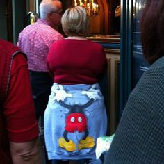 How to not wear a Disney sweater funny memes disney meme lol funny quotes humor cute. humor wtf How to not wear a Disney sweater funny memes disney meme lol funny quotes humor cute. Funny Shit, Funny Cute, Haha Funny, Funny Jokes, Funny Stuff, That's Hilarious, Memes Humor, Farts Funny, Funny Pranks