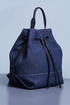 24 Cool Backpacks For The ColdThe finishing touch for your Canadian Tuxedo.Explore the Official Site of Opening Ceremony: a global fashion and lifestyle curator. Diy Jeans, Levis Jeans, Mochila Jeans, Estilo Jeans, Denim Handbags, Denim Bag, Denim Backpack, Recycled Denim, Cool Backpacks