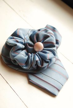 brooch made with blue tie Fabric Art, Fabric Crafts, Sewing Crafts, Tie Crafts, Crafts To Make, Quilting Projects, Sewing Projects, Sewing Ideas, Necktie Quilt