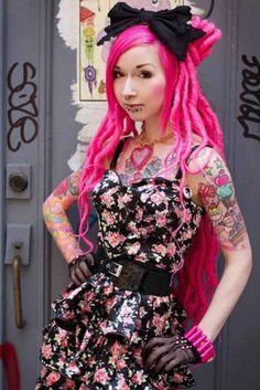 harajuku fashion hair color pink with dress Japanese Street Fashion, Tokyo Fashion, Harajuku Fashion, Harajuku Style, Harajuku Girls, Harajuku Japan, Hair Color Pink, Hair Color And Cut, Hair Colors