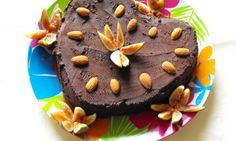 Raw Cakes and Chocolates – Raw Food Fig Cake, Raw Chocolate, Raw Food Recipes, Chocolates, Cakes, Desserts, Tailgate Desserts, Fig Pie, Raw Recipes