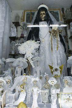 Santa Muerte Altar, Losing My Religion, Danse Macabre, Spooky Scary, The Grim, Mexican Folk Art, Grim Reaper, Horror Art, Day Of The Dead