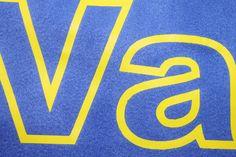 Nuestro trabajo con la técnica transfer serigrafico en toallas de microfibra Logos, School, Logo