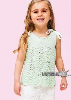 Вязаный спицами простой ажурный топ для девочки от 2 до 10 лет