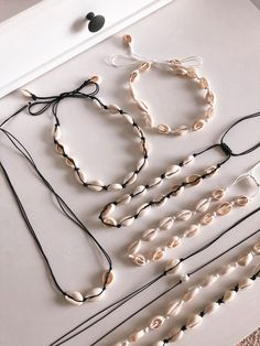 Great shell necklaces - Women's Jewelry and Accessories-Women Fashion Shell Choker, Diamond Choker Necklace, Shell Necklaces, Handmade Necklaces, Jewelry Necklaces, Cowrie Shell Necklace, Shell Jewelry, Diamond Earrings, Beaded Necklace