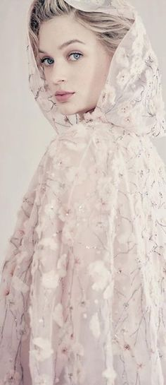 Heathcote poses in a white Dior gown for Vogue Australia Masterpiece: The beautiful pictures, by Italian fashion photography icon Paolo Roversi, we.Masterpiece: The beautiful pictures, by Italian fashion photography icon Paolo Roversi, we. Paolo Roversi, Vogue Australia, Australia 2017, Runway Models, Dior Gown, Mode Editorials, Fashion Editorials, Vogue Beauty, High Fashion Photography
