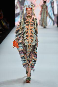 #fashion #fashionweek #berlinfashionweek #berlin #woman #fashionwoman #women Berlin Fashion, January 14, Alexander Mcqueen, Ss, Woman, Womens Fashion, Alexander Mcqueen Couture, Women, Women's Fashion