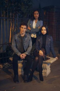 Eli Brown as (Dylan Walker), Sydney Park as (Caitlin Park-Lewis) & Sofia Carson as (Ava Jalali) Pll, Dylan Walker, Marlene King, Bethany Young, Lying Game, Pretty Little Lairs, Spencer Hastings, Me Tv, Just Don