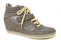 Esprit sneakerwedges in de kleur grijs €89,95 #sneakerwedge #esprit #voorjaar