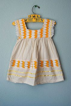 sweet vintage girls dress...i love this
