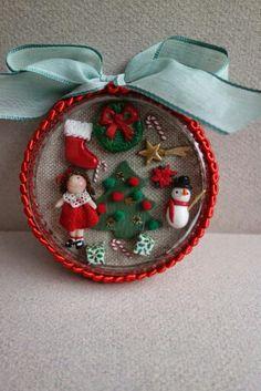 Navidad, christmas tumima dolls Christmas Ideas, Christmas Cards, Christmas Ornaments, Miniature Christmas, Handmade Dolls, Jingle Bells, Miniature Dolls, Card Ideas, Projects To Try