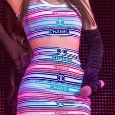 Stage Outfits, Kpop Outfits, Dance Outfits, Girl Outfits, Kim Jennie, Girl Photo Poses, Girl Photos, Chanel, Pink Official