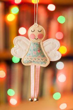 Felt Christmas Angel. Love the gingham legs.