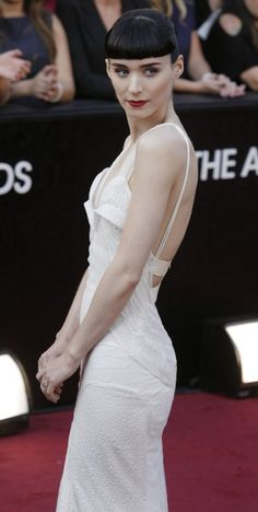 Rooney Mara/ She looks outstanding in this dress and with her hair style and make up. Bravo Rooney! @ the 84th OSCARS