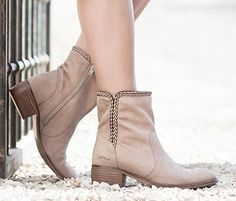 Via Vai zomer 2014 Mode Style, Fashion Shoes, Booty, Outfits, Womens Fashion, How To Wear, Accessories, Beautiful, Products
