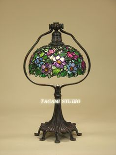 全作品All Work | TAGAMIグラス工房 | ステンドグラスのオーダーメイド制作・販売・教室 Tiffany Stained Glass, Stained Glass Lamps, Tiffany Glass, Louis Comfort Tiffany, Light Of My Life, Glass Design, Lampshades, Lamp Light, Chandelier