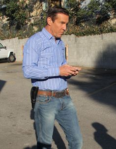 Dennis Quaid Photos - Stars On The Set Of 'Vegas' In Los Angeles - Zimbio