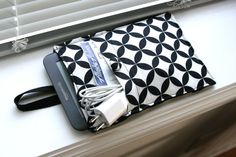 Kindle Case / Kindle Cover / Kindle Sleeve /  by chubbycloud, $24.00