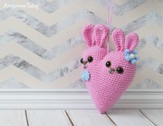 Bunny heart crochet pattern by Amigurumi Today
