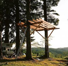 Looking for some of the best treehouse photos? Check out these great treehouses that Forest Huntington built in Oregon. Read his story here.