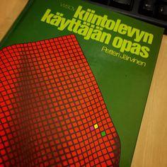 Onko löytö :) @petterijj Muistatko omistuskirjoituksen? #kirja #tietotekniikka Bose, Instagram