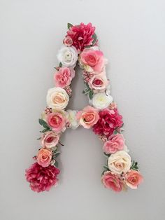 This listing is for one custom 24 inch silk floral letter decoration, great for photo sessions, weddings, bridal showers, baby showers, birthday parties, nurseries, and any wall or door decor. The silk flowers (English roses, Ranunculus, Hydrangea, etc.) are on a paper mache letter.  Please specify the letter and what flower colors you would like. Flowers type may vary per color you choose.  Please inquire for prices in different letter sizes.  * This is a special order and due to the…