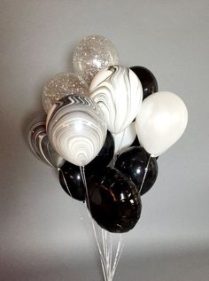 Gorgeous huge balloon bouquet full of black, white, marbled and confetti balloons. Bouquet contains 18 balloons: 9 inches) . Gold Confetti Balloons, Giant Balloons, Mylar Balloons, Latex Balloons, Marble Balloons, Order Balloons, Balloon Centerpieces, Balloon Decorations Party, Birthday Decorations