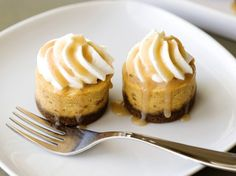 Recipe for Mini Pumpkin Cheesecakes with Gingersnap Cookies