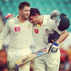 Mike Hussey will join Michael Clarke at the @Sydney Thunder this season! #WelcomeHuss #BBL