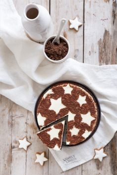 zimtstern cheesecake topped with cinnamon & cocoa