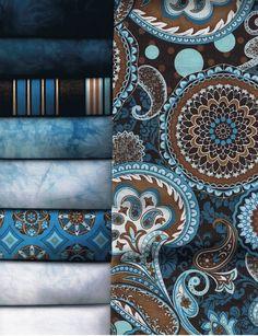 Resalta tus sillones con mantas y cojines decorativos. Si tienes muebles de color #café, elige estos elementos con patrones geométricos en #azul claro y blanco para un look elegante; si elijes muebles azules, cierra la decoración con una manta y cojines con diseños café y blanco.