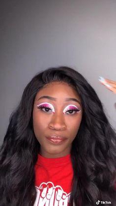 Weird Makeup, Cool Makeup Looks, Makeup Art, Eye Makeup, Scary Horror Stories, Black And White Makeup, Scary Videos, Celebrity Makeup Looks, White Eyeshadow