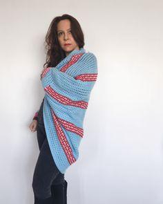 My secrets of crochet pattern design - The Heartbeat Shrug Free Crochet Pattern - Dora Does Chunky Crochet, Free Crochet, Crochet Crafts, Crochet Designs, Crochet Patterns, Aran Weight Yarn, Cocoon Cardigan, Crochet Winter, Crochet Cardigan Pattern