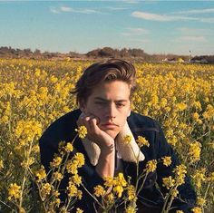 Immagine di cole sprouse and flowers