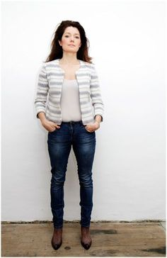 Here you find a detailed photo tutorial for Sewing Pattern Jacket Coco. Have fun sewing this beautiful Sewing Pattern Sewing Clothes, Diy Clothes, Coco Photo, Sew Over It, Sewing Blogs, Jacket Pattern, Photo Tutorial, Sweater Cardigan, Sewing Patterns
