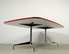 AreaNeo | Charles & Ray Eames segmented table Vitra - Design of the Times