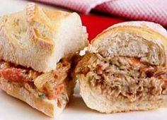 Faça um delicioso sanduíche de pernil para o lanche