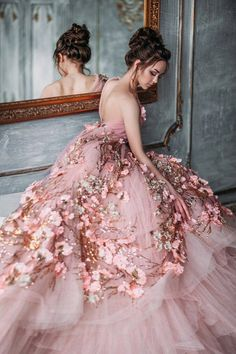 I love that pink dress. I love rosey. Dress Up, Pink Dress, Pink Princess Dress, Evening Dresses, Prom Dresses, Formal Dresses, Mode Glamour, Mode Inspiration, Beautiful Gowns