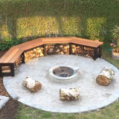 Fire-pit Suggestions -- a book Comfy fire or perhaps even a popular may be the leisure. Yet nowadays, it's advised to get fire-pit on the backyard area. The landscaping style option confirms an outdoor fire area could offer similar encounter or more. Outdoor Fire, Outdoor Seating, Outdoor Living, Diy Fire Pit, Fire Pit Backyard, Landscape Design, Garden Design, Creative Landscape, Landscape Architecture