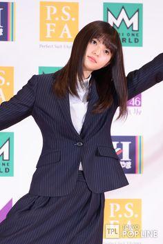 Saito Asuka, Cute Japanese Girl, Asian Girl, Kawaii, Actresses, Blazer, Image, Seat Covers, Suits