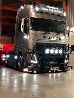 Customised Trucks, Old Lorries, 1970 Ford Mustang, Show Trucks, Volvo Trucks, Rigs, Transportation, Cap, Vehicles