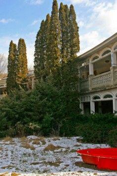 abandoned honeymoon resort