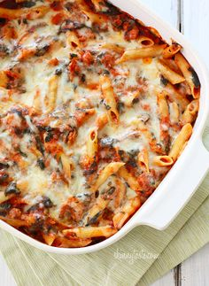 Skinny Baked Pasta with Sausage & Spinach - A fall comfort food dinner just waiting to be cooked Think Food, I Love Food, Food For Thought, Sausage Pasta Bake, Baked Sausage, Baked Penne, Pasta Casserole, Italian Casserole, Italian Recipes