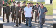 """Kim Jong -un'dan """"eve dönün"""" emri: Güney Kore resmi ajansı Yonhap'ın Ulusal İstihbarat Servisi'ne (NİS) dayandırdığı haberde Pyongyang yönetiminin potansiyel ilticaların önüne geçmek için Kuzey Koreli tüm diplomatların 25 yaşındaki ve daha büyük çocuklarının ülkeye geri dönmesini istediği iddia edildi.Habere göre istihbarat kom..."""