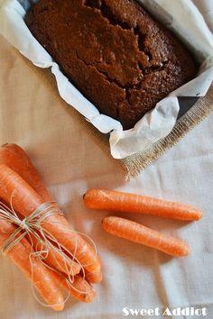 Vegan carrots and nuts cake Vegan Sweets, Vegan Desserts, Healthy Desserts, Delicious Desserts, Dessert Recipes, Yummy Food, Cake Sans Oeuf, Tortas Light, My Favorite Food
