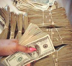 I Lenda V. WON the 2016 November Lotto Jackpot‼💚I am a money magnet Money On My Mind, Show Me The Money, How To Get Money, Make Money Online, Mo Money, Lots Of Money, Cash Money, Cash Cash, Money Girl
