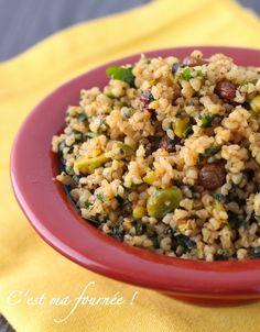 La salade de boulgour aux raisins secs et aux pistaches d'Ottolenghi